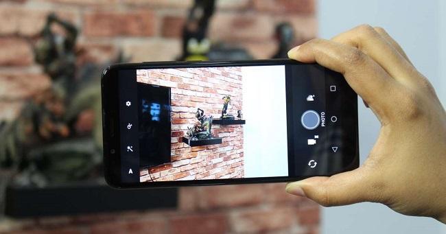 دوربین HTC Desire 12